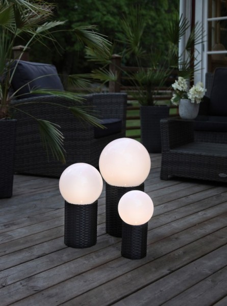 LED-Gartenkugel - Solar Line Outdoor - Rattanoptik-Sockel - →15 x ↑28cm - Warmweiß