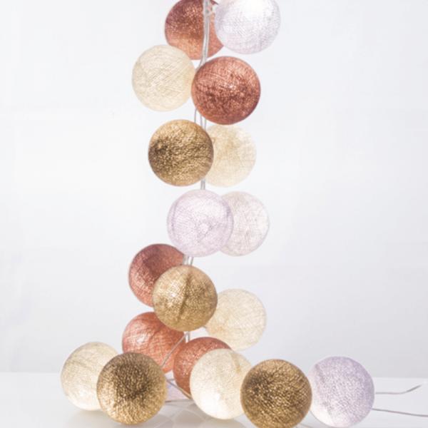 good moods* AUF WOLKE 7 - Ball-Lichterkette mit 35 Stoffkugeln - 35 warmweiße LEDs - Geschenkkarton