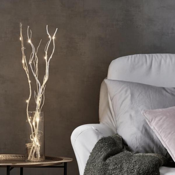 LED Dekozweig 60cm - naturfarbene Weide - 24 warmweiße LED an dünnem Draht - Batteriebetrieben