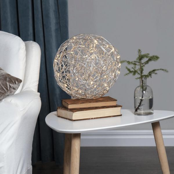 "LED 3D Designkugel ""Trassel"" - D: 30cm - 50 warmweiße LED - Indoor & Outdoor - aus Silberdraht"