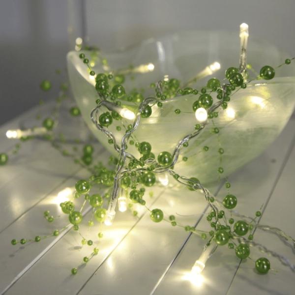 LED Lichterkette mit Perlen - 20 warmweiße LED - 1,15m - Batteriebetrieb - Timer - grün