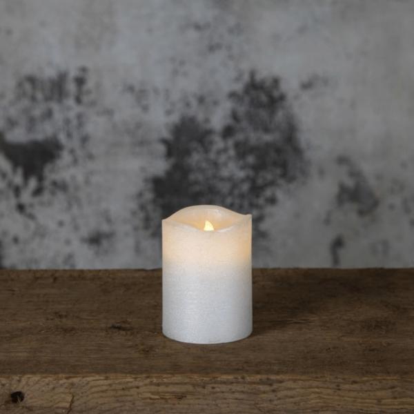 "LED Kerze ""Presse"" - Echtwachs - flackernde LED - Flammenschalter - Timer - H: 10cm,D: 7,5cm - weiß"