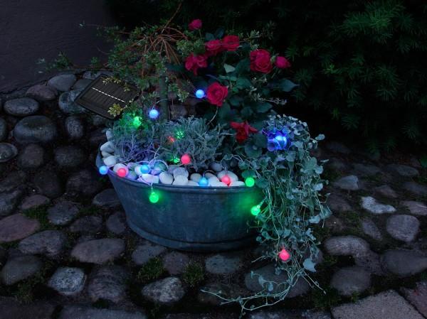 LED Solarlichterkette GLOBINI 4,75m - 20 blau/grün/pinke LEDs - Dämmerungssensor - outdoor