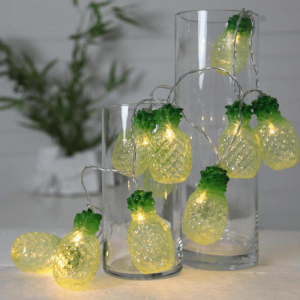 "LED-Lichterkette ""Pina"" - 10 Ananas an 1,8m Kabel - warmweiße LEDs - Batterie - Timer"