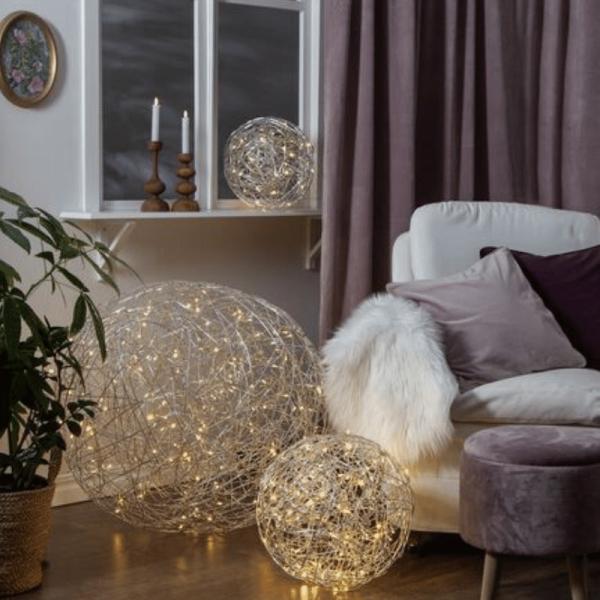 "LED 3D Designkugel ""Trassel"" - D: 37,5cm - 100 warmweiße LED - Indoor & Outdoor - aus Silberdraht"
