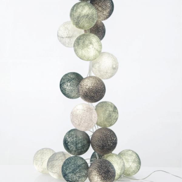 good moods* MINZBONBON - Ball-Lichterkette mit 20 Stoffkugeln - 20 warmweiße LEDs - Geschenkkarton