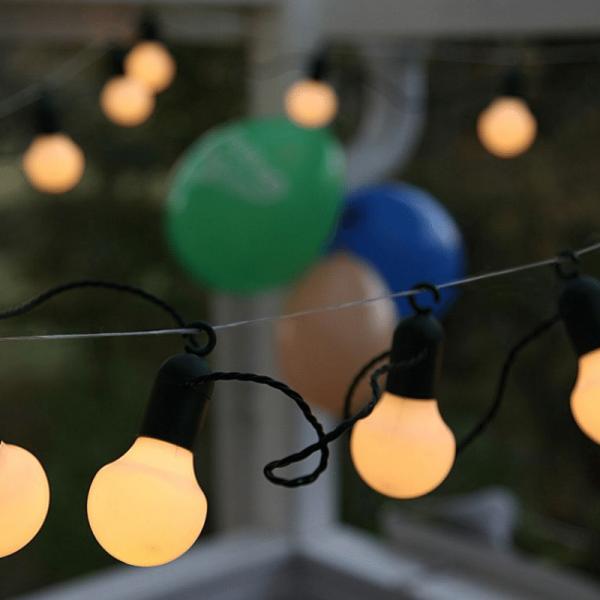 LED Partylichterkette - 20 warmweiße LED - L: 5,7m - grünes Kabel - outdoor