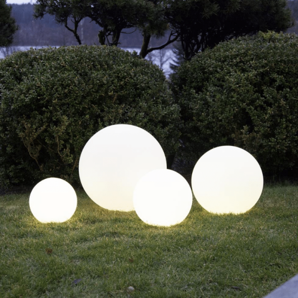 "LED Kugel ""Twilights"" - 50cm - RGB Farbwechsel oder feste Farbe - Fernbedienung - Aufladbar - IP44"