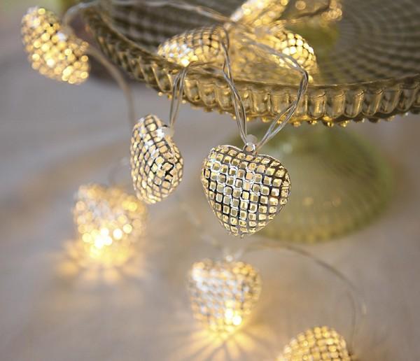LED-Lichterkette mit Herzen- Heart Line Indoor - Batteriebetrieb - Timer - 0,90m - 10x Warmweiß - Silber