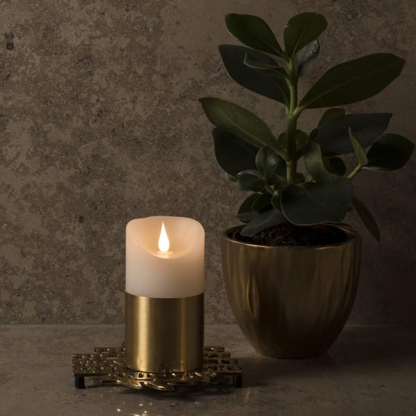 LED Kerze mit goldener Banderole - Echtwachs - 3D Flamme - Timer - H: 13,5cm, D: 7,5cm - weiß