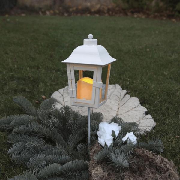 LED Laterne weiss - 2 wechselbare Spitzen - Erdspieß - Dämmerungssensor