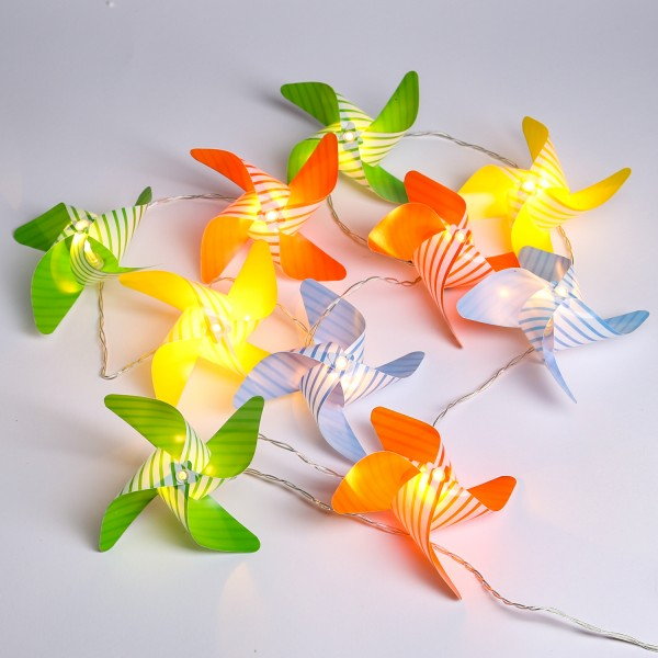 LED Lichterkette Windräder - 10 gestreifte Windräder mit je 1 LED - Batterie - bunt