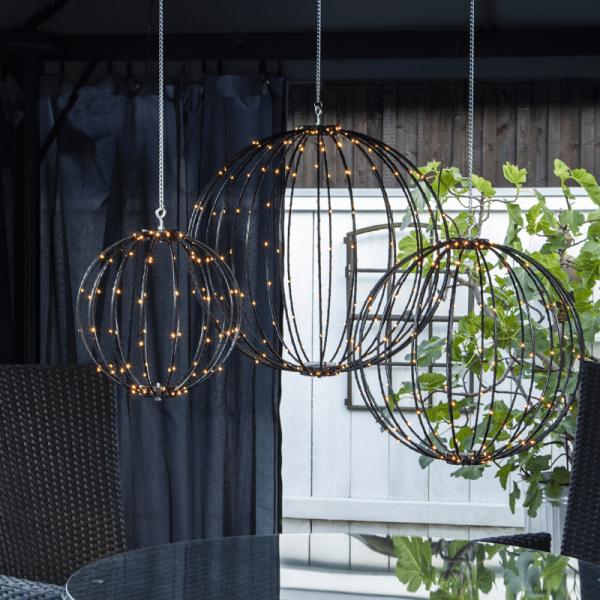 "LED 3D Designkugel ""Mounty"" - D: 40cm - 126 warmweiße LED - 8 Funktionen - faltbar - schwarz"