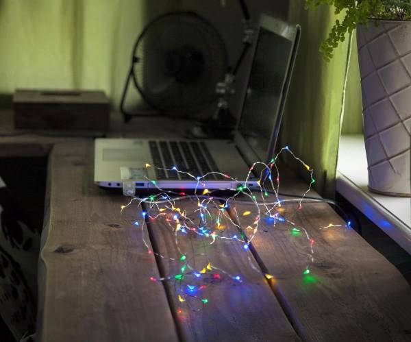 """LED-Draht-Lichterkette """"String Dew Drops"""" USB - 100 bunte LEDs - 5m - silberer Draht - 8 Modi - Timer"""