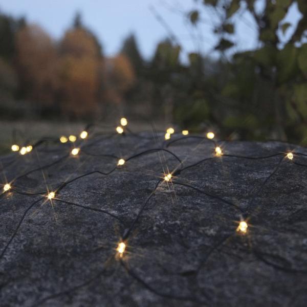 LED-Lichternetz - Dura Line Outdoor - Batterie - Timer - 0,80 x 1,35m - 80x Warmweiß - Schwarz
