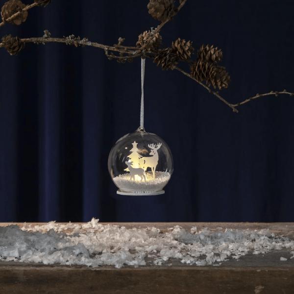 "LED Deko-Kugel/Baumkugel ""Fauna"" - Hirsch/Tanne - warmweiße LED - D: 8cm - Batteriebetrieb - weiß"