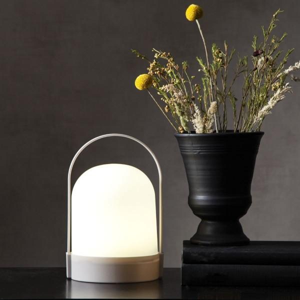 LED Laterne LETTE - warmweißes Licht - Batterie - Timer - H: 22cm, D: 14cm - indoor - weiß
