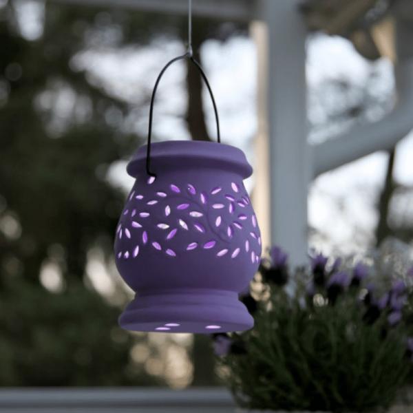 """LED Solar Laterne """"Clay""""- kaltweiße LED - H: 14cm - D: 11cm - Dämmerungssensor - flieder"""