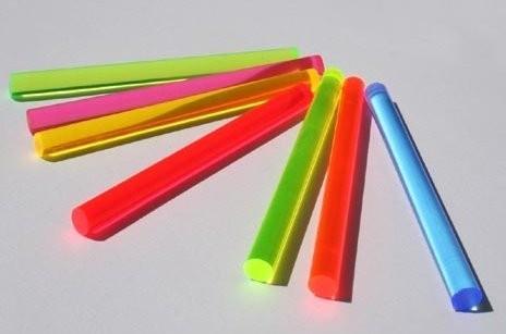 LISA fluoreszierender Acrylglas Rundstab pink D: 6mm , L: 1m, Leuchtstab, unter Hitze verformbar