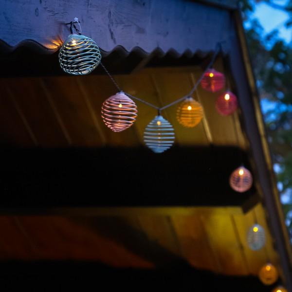 LED Solar Lichterkette bunte Spiralkugeln - 10 warmweiße LED - L: 2,7m - Lichtsensor - outdoor