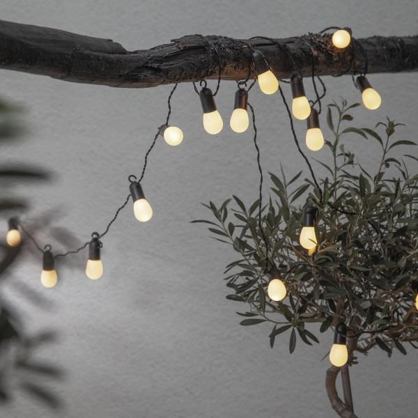LED Partylichterkette - 16 kleine milchig weiße Kugeln - L: 4,5m - schwarzes Kabel - outdoor