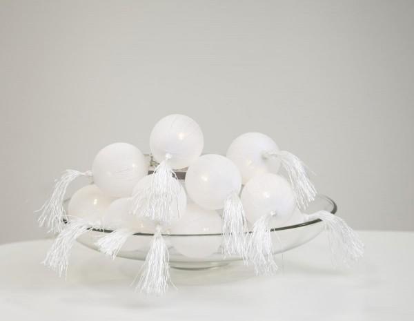 "LED-Lichterkette ""Tassel"" - weiße 10 Bälle - warmweiße LEDs - 1,35m - Batterie - Timer"