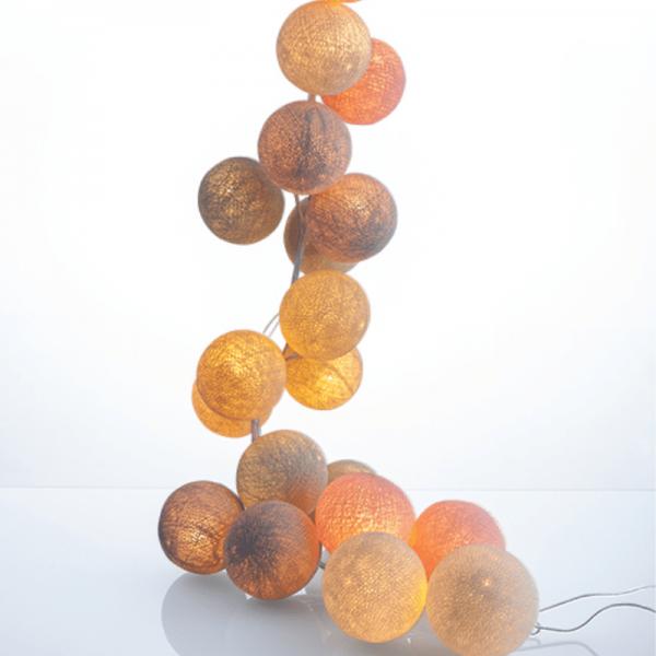 good moods* PUDERZUCKER - Ball-Lichterkette mit 35 Stoffkugeln - 35 warmweiße LEDs - Geschenkkarton