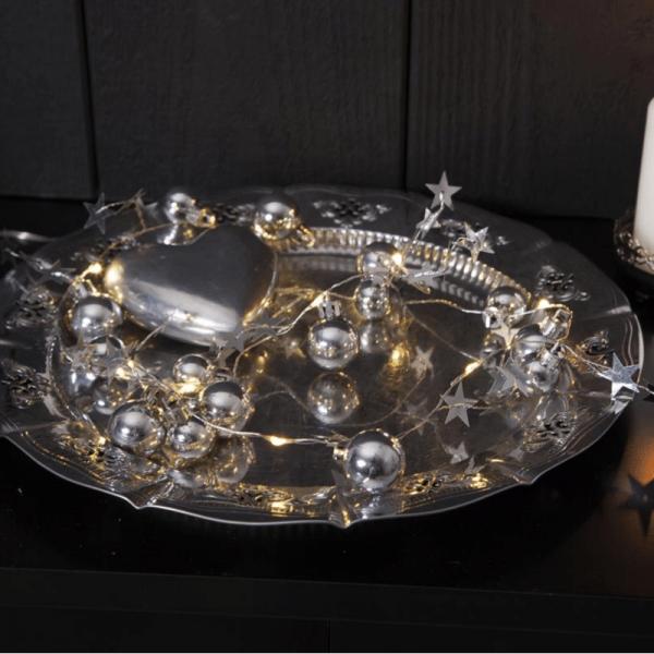 "LED-Lichterkette ""Xmas"" - 10 warmweiße LED - silberne Kugeln und Sterne - 0,9m - Batterie - Timer"