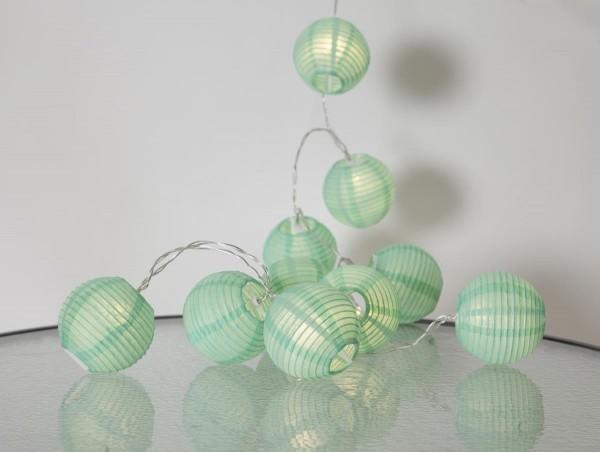 "LED-Lichterkette ""Festival"" - 10 grüne Lampions mit warmweißen LEDs - 1,35m - inkl Trafo mit 3m Kabel"