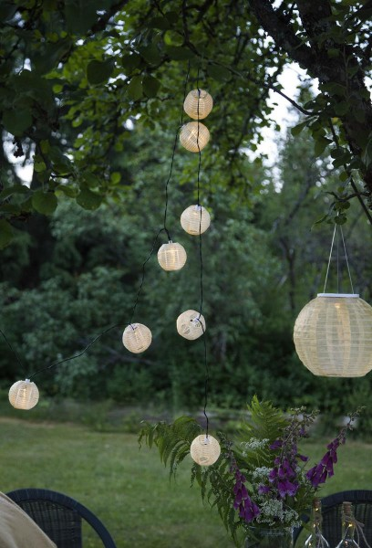 "LED-Solar-Lichterkette ""Festival"" - 2,7m - 10 beige Kugeln mit warmweißen LEDs - Dämmerungssensor"