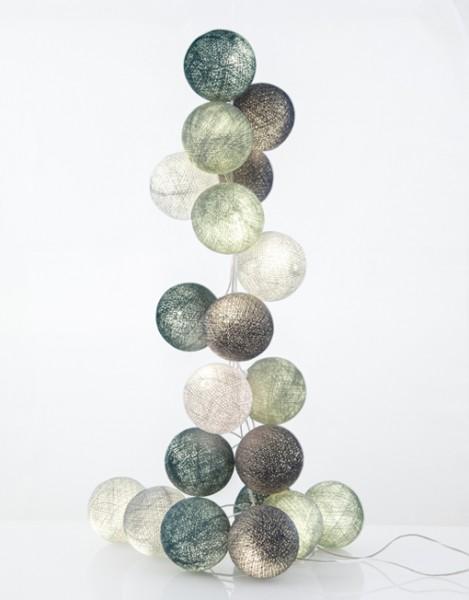 good moods* MINZBONBON 20 - Ball-Lichterkette mit 20 Stoffkugeln - 20 warmweiße LEDs - Geschenkkarton