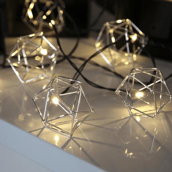 """LED-Lichterkette """"Edge"""" - 10 warmweiße LED - 2,25m - schwarzes Kabel - Trafo - silber"""