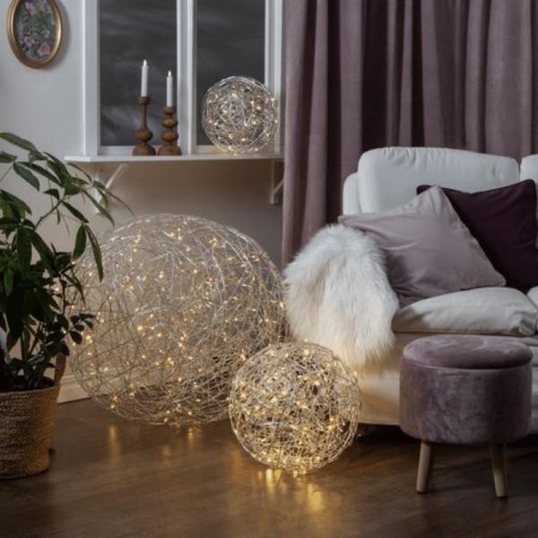 "LED 3D Designkugel ""Trassel - D: 77cm - 200 warmweiße LED - Indoor & Outdoor - aus Silberdraht"