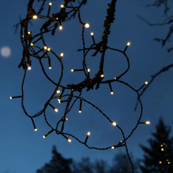 LED-Lichterkette | Serie LED | Outdoor | 7m schwarzes Kabel | 120 warmweiße LED | Controller