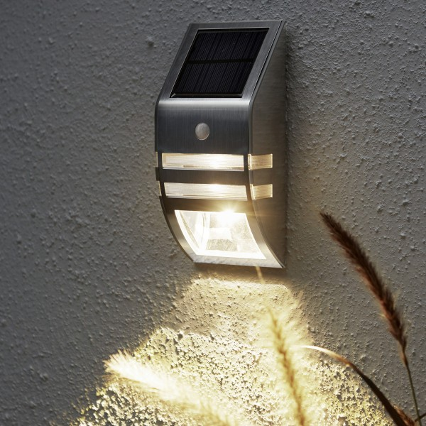 LED Solar Wandleuchte WALLY - H: 17cm - Bewegungssensor & Dämmerungssensor - silber