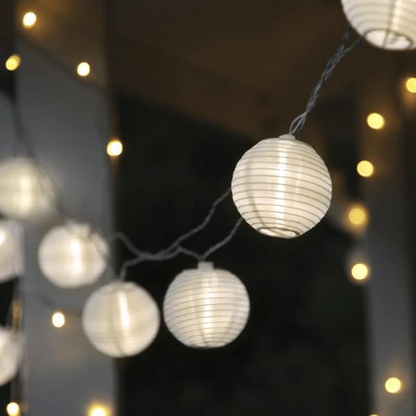 LED Lichterkette LAMPION - 10 weiße Lampions mit warmweißen LED - 4,5m - inkl. Trafo - 10m Kabel
