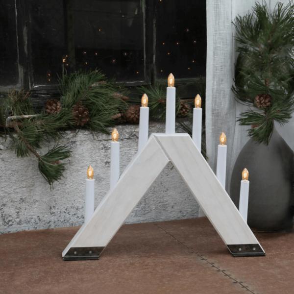 """Fensterleuchter """"Viking"""" - 7 warmweiße Glühlampen - L: 42cm, H: 37cm - Holz - Schalter - weiß"""
