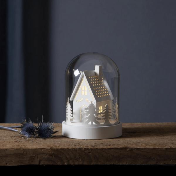 "LED Holzdeko im Glas ""Knusperhaus"" - 1 warmweiße LED - Timer - Batteriebetrieb - H: 17,5cm - weiß"