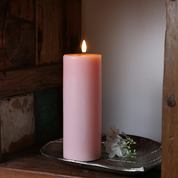 LED Stumpenkerze MIA - Echtwachs - realistische 3D Flamme - H: 20cm - Batteriebetrieb - rosa