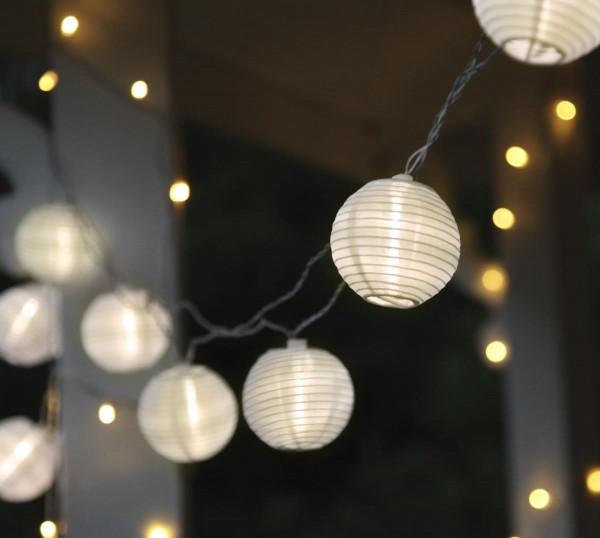 """LED-Lichterkette """"Festival"""" - 10 weiße Lampions mit warmweißen LEDs - 4,5m - inkl Trafo mit 1m Kabel"""