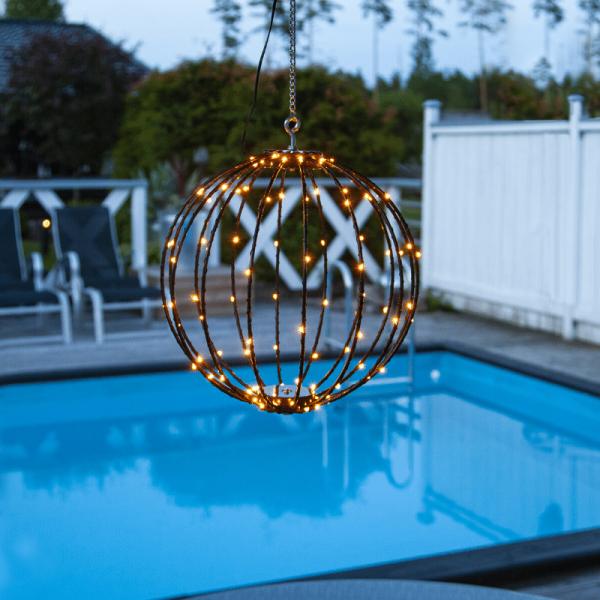"LED 3D Designkugel ""Mounty"" - D: 30cm - 96 warmweiße LED - 8 Funktionen - faltbar - schwarz"