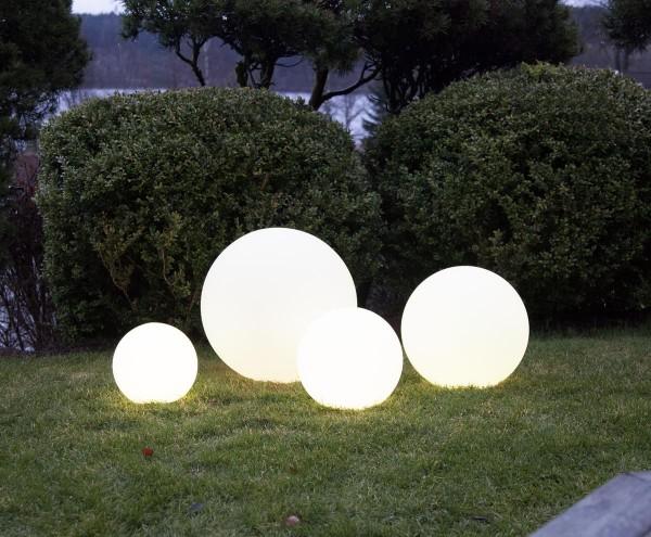 "LED Kugel ""Twilights"" - 25cm - RGB Farbwechsel oder feste Farbe - Fernbedienung - Aufladbar - IP44 1"