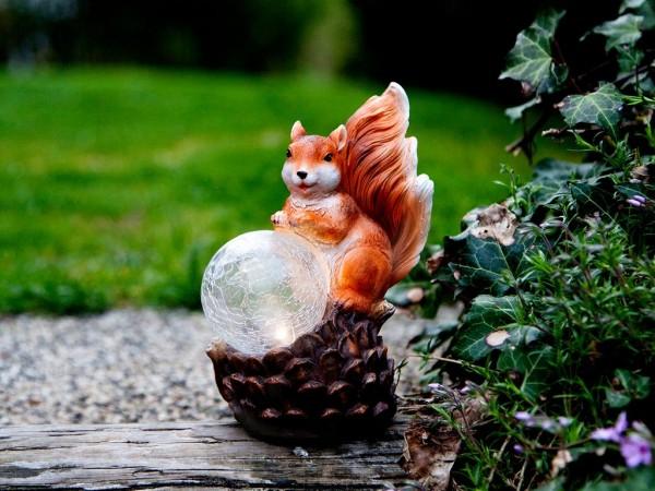 Gartenfigur | Solar | Eichhörnchen vor Lichtkugel | →12cm x ↑17cm | 1 LED in Glaskugel | mit Lichtsensor