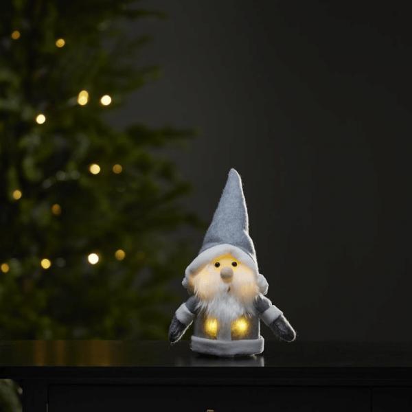 LED Stoff-Figur Weihnachtsmann - graue Mütze & Schal - 4 warmweiße LED - H: 24cm - Batteriebetrieb