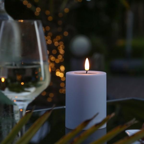 LED Stumpenkerze MIA - Kunststoff - realistische 3D Flamme - H: 10cm - outdoor - pastell lila